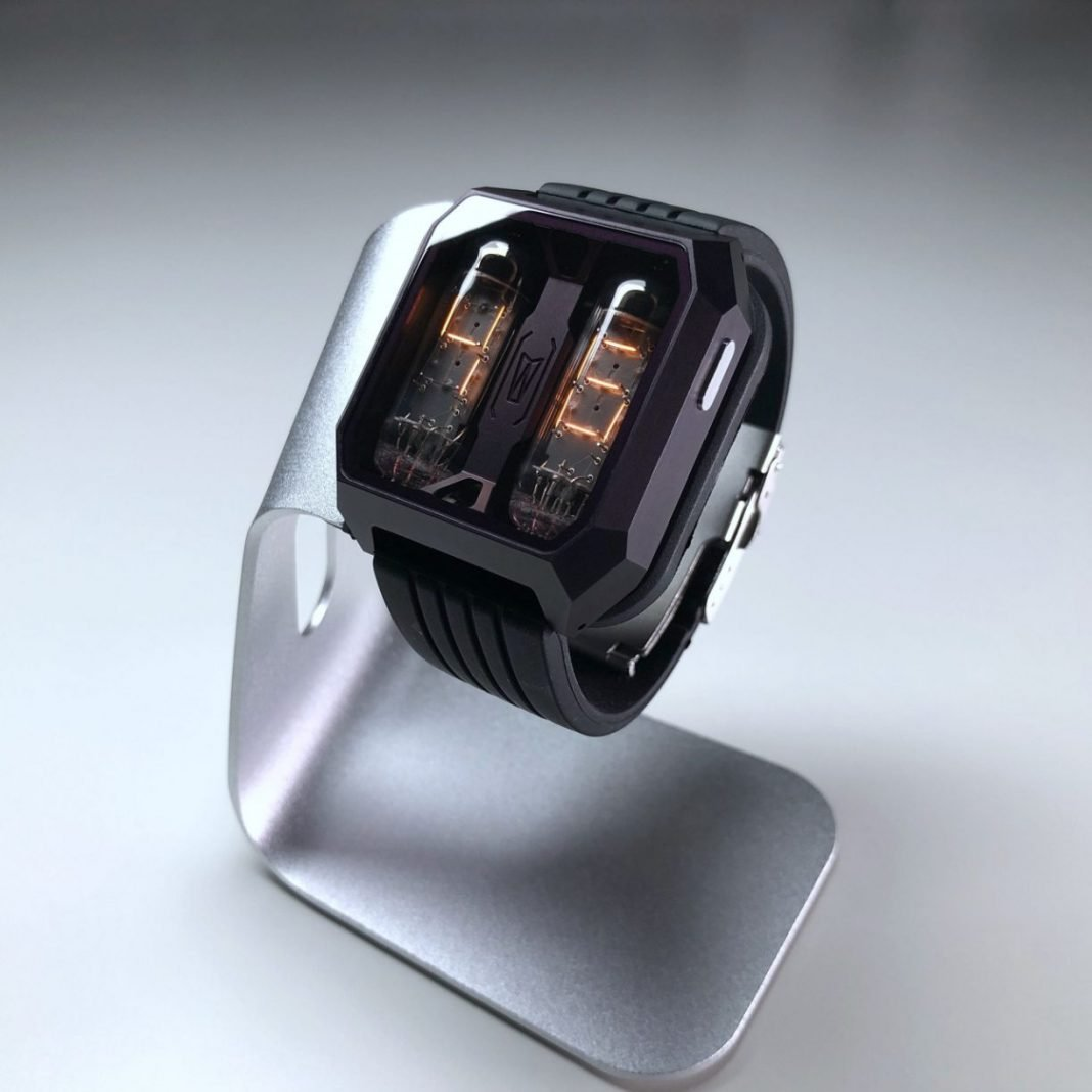 THIS FIREBIRD WATCH WITH NIXIE TUBES LOOKS COOLER THAN ANY SMARTWATCH I'VE EVER SEEN