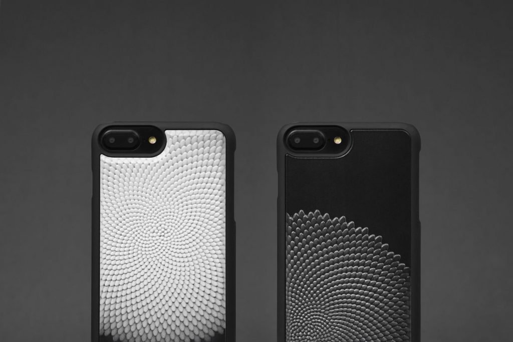 3d Printed iPhone X Cases Which Make You Feel Like Sculpture In Your Hand (2)