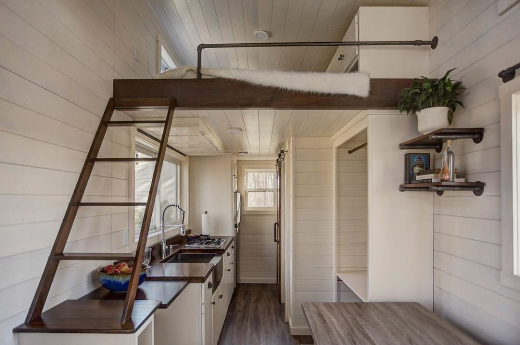 The Mohican, A Tiny Cabin With Not So Tiny Facilities